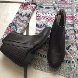 Ankle boots booties